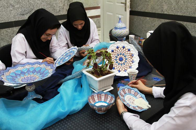 هنر میناکاری اصفهان